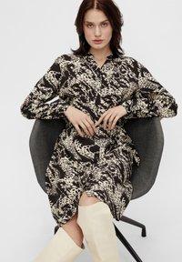 Object - OBJTALUSA  BIRDY DRESS - Day dress - black/sandshell - 5