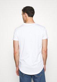 TOM TAILOR DENIM - LONG BASIC WITH LOGO - T-shirt - bas - white - 2