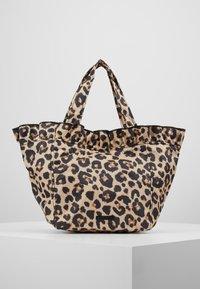 Loeffler Randall - TOTE - Kabelka - leopard - 0