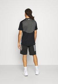 adidas Performance - Print T-shirt - black/gresix - 2