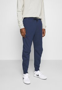 Nike Sportswear - M NSW TCH FLC JGGR - Träningsbyxor - midnight navy/black - 0