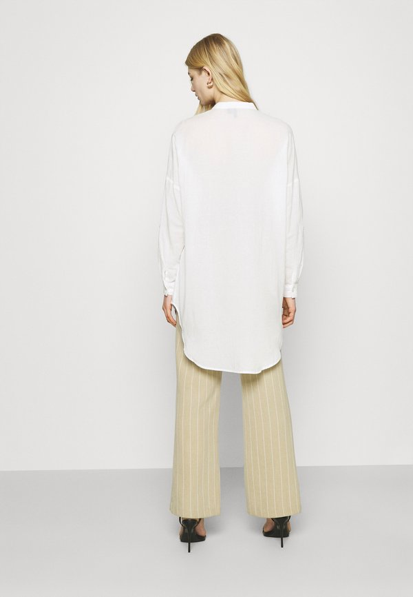 Vero Moda VMISABELL FOLD UP TUNIC - Bluzka - snow white/biały KFGR