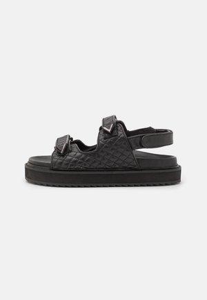 SOLOMON - Sandály na platformě - black