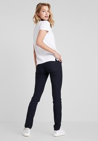 Daily Sports - MAGIC PANTS - Spodnie materiałowe - navy - 2