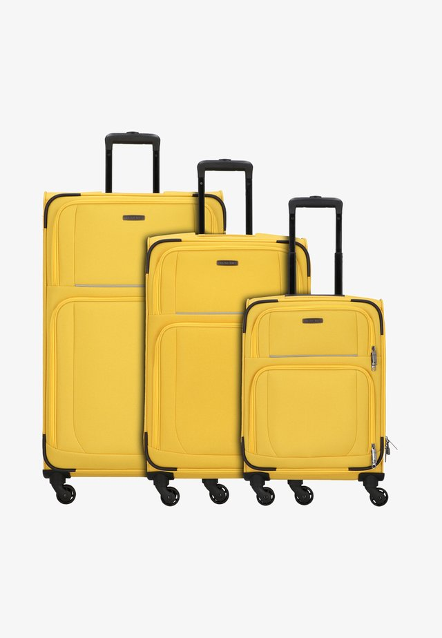 3  PACK - Luggage set - yellow