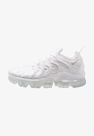 AIR VAPORMAX PLUS - Sneakers - white/pure platinum