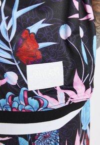 SIKSILK - LOOSE FIT AOKI SHIRT - Shirt - blue/pink/white - 4