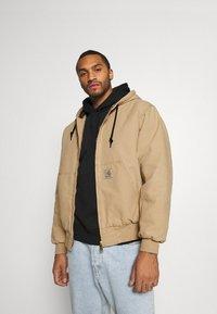 Carhartt WIP - ACTIVE JACKET DEARBORN - Light jacket - dusty brown - 0