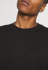 Jack & Jones - JORBRINK CREW NECK - T-shirt - bas - black - 3