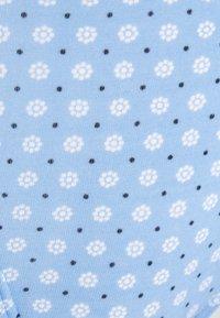 Tommy Hilfiger - PRINT 3 PACK - Briefs - light iris blue/desert sky/white - 7