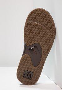 Reef - FANNING - Sandály s odděleným palcem - brown - 4