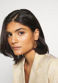 Orelia - INDIA EAR CUFF - Earrings - sapphire - 1
