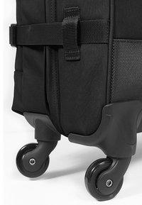 Eastpak - TRANS4 - Wheeled suitcase - black - 5