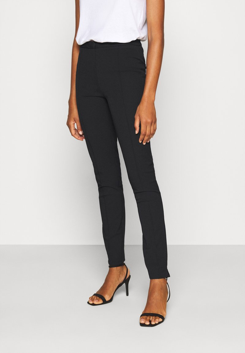 Selected Femme Tall - SLFILUE PINTUCK PANT  - Bukse - black