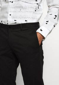 HUGO - GERALD - Chinos - black - 3
