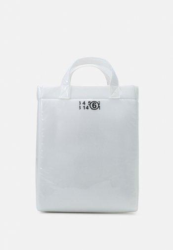 BORSA MANO - Shoppingveske - trasparent