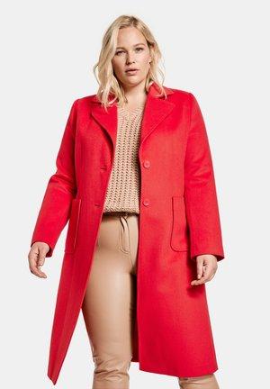 Trenchcoat - red