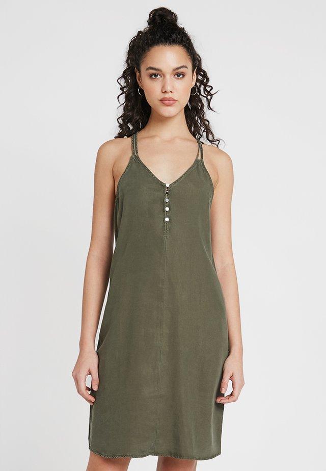 NMENDI DOUBLE STRAP DRESS - Day dress - olive night