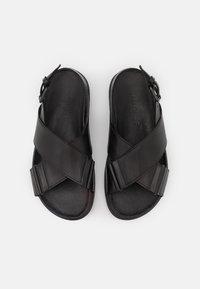 Pavement - DARCIE - Sandalen met plateauzool - black - 2