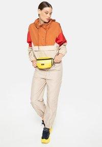 Eastpak - AUTHENTIC - Bum bag - yellow - 1