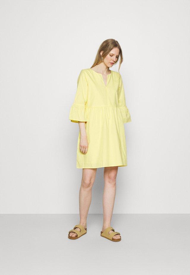 DRESS - Korte jurk - light yellow