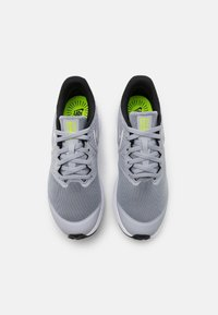 Nike Performance - STAR RUNNER 2 UNISEX - Neutral running shoes - wolf grey/white/black/volt - 3