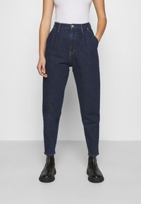 Tommy Jeans - RETRO MOM JEAN OLDBCF - Relaxed fit jeans - oslo dark blue com - 0