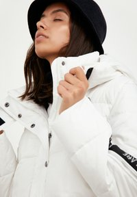 Finn Flare - Down jacket - white - 4