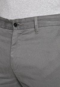 Burton Menswear London - TEDDINGTON WASHED - Chinot - grey - 4