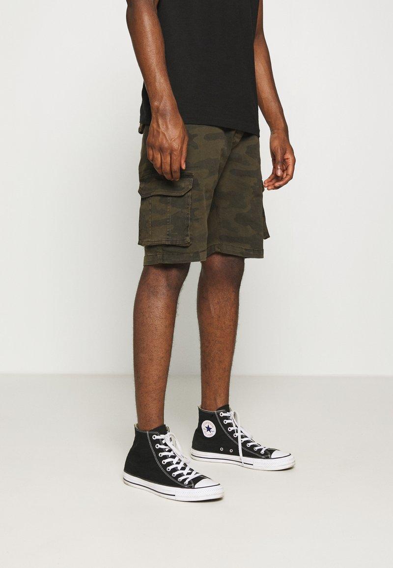 Brave Soul - ARMED - Shorts - khaki