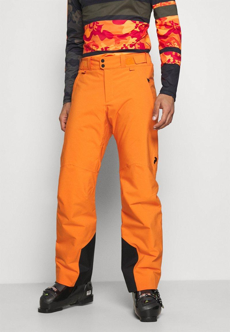 Peak Performance - PANT - Pantalón de nieve - orange altitude