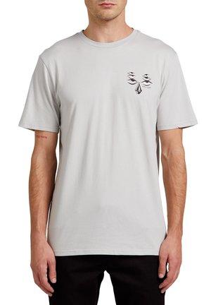 RYAN BURCH SS TEE - Camiseta estampada - tower_grey