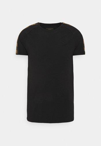RAGLAN TECH TEE - T-shirt med print - black