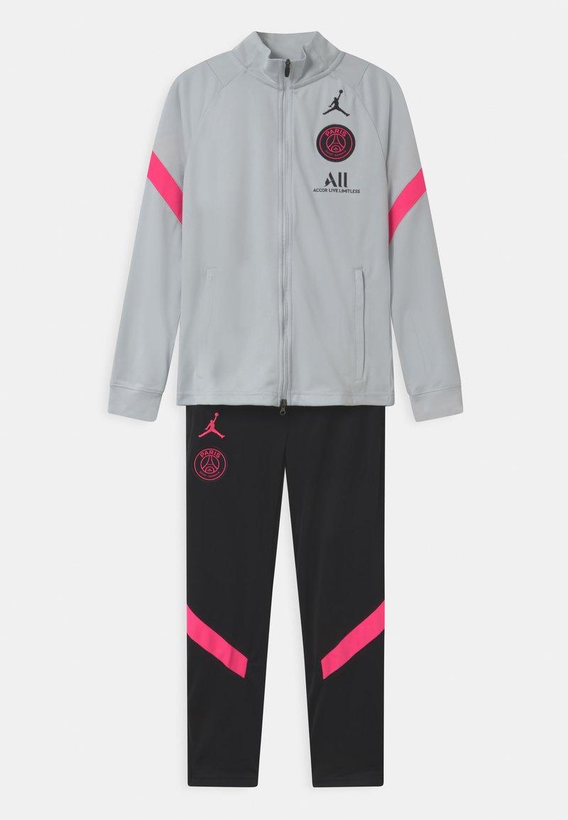 Nike Performance - PARIS ST GERMAIN SET UNISEX - Club wear - pure platinum/black