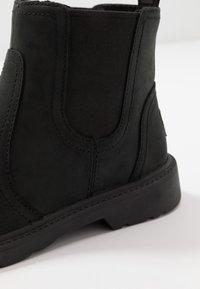 UGG - BOLDEN - Korte laarzen - black - 5