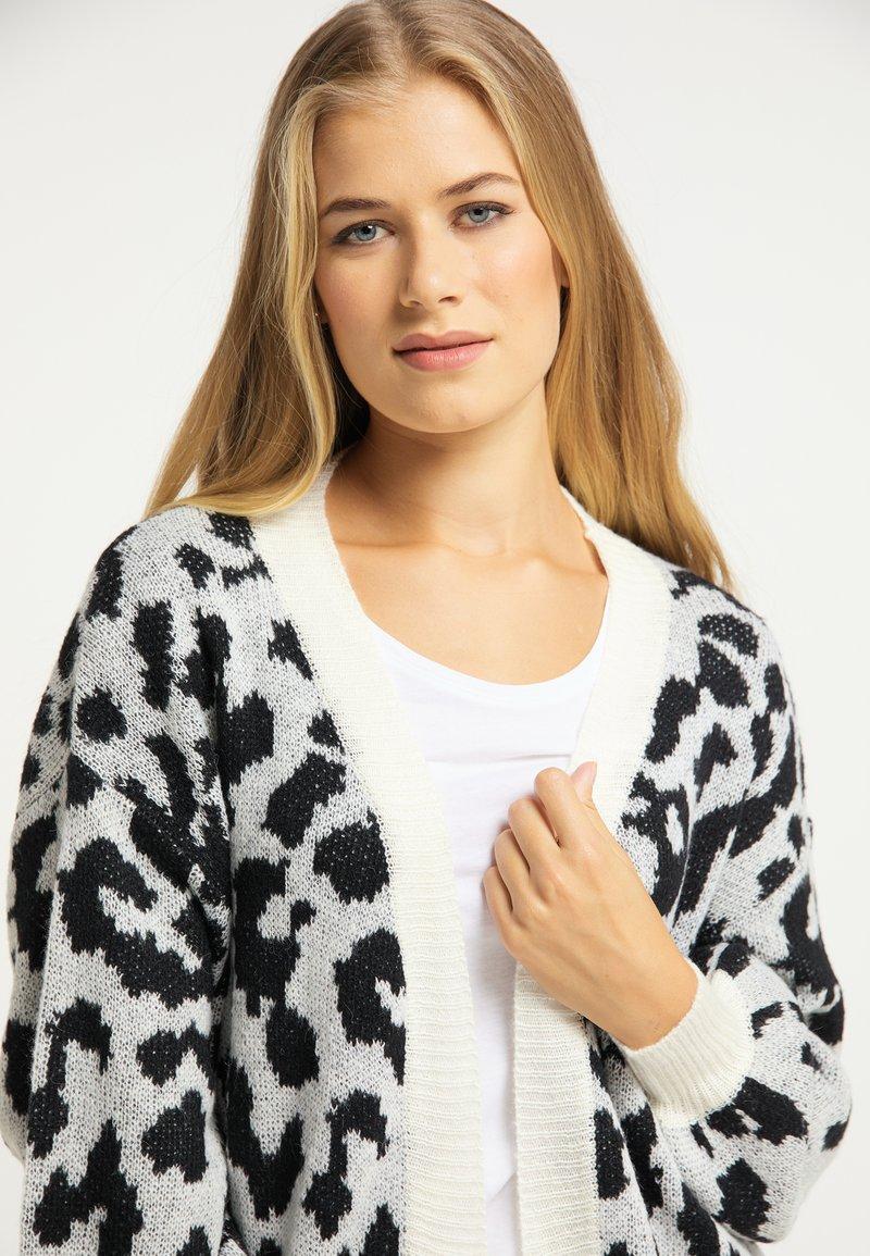 usha Strickjacke - schwarz weiß/mehrfarbig W8SKMx
