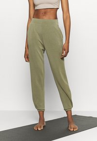 Even&Odd active - Tracksuit bottoms - olive - 0