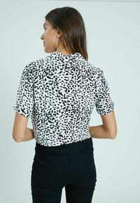 Pimkie - Button-down blouse - altweiß - 2