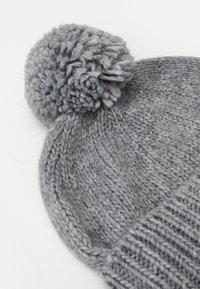 Calvin Klein - BEANIE - Čepice - grey - 3