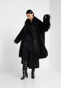 MM6 Maison Margiela - Zimní kabát - black - 1