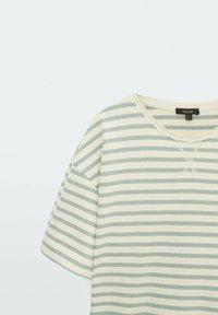 Massimo Dutti - Print T-shirt - green - 2