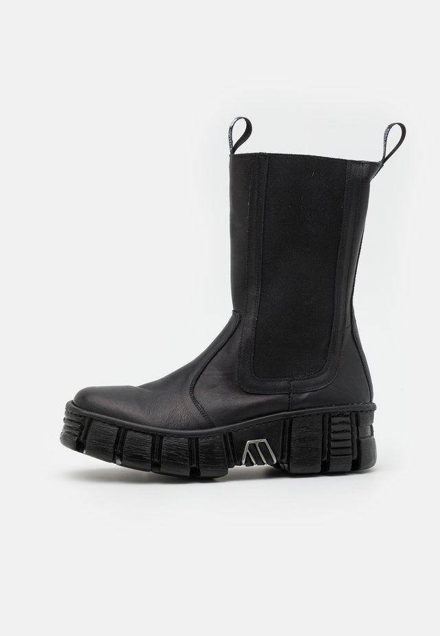 UNISEX - Platform boots - black