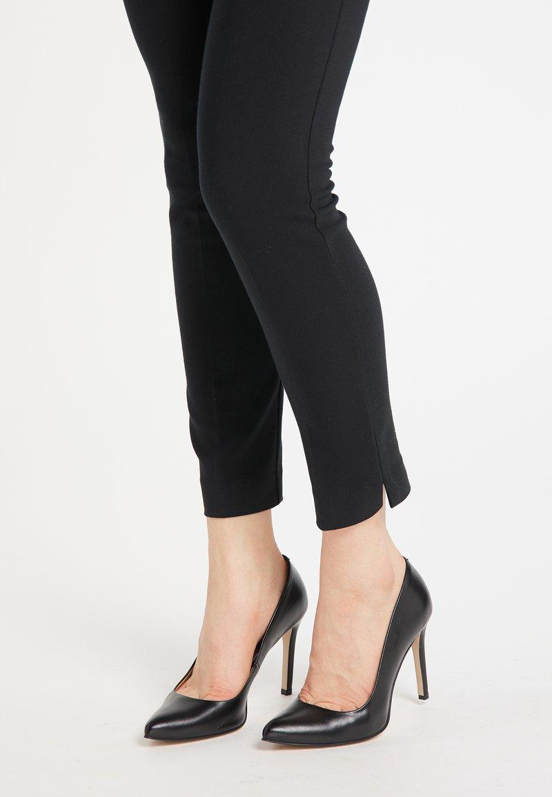 DreiMaster - High heels - schwarz