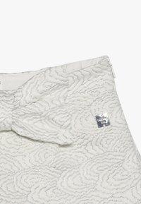 Carrement Beau - ZEREMONIE - Shorts - gebrochenes weiß - 4