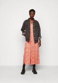 YAS Tall - YASDAMASK LONG DRESS - Robe longue - whisper pink - 1