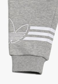 adidas Originals - OUTLINE CREW - Verryttelypuku - grey/white - 3