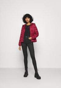 Vero Moda - VMMIKKOLA SHORT HOODY JACKET - Light jacket - cabernet - 1