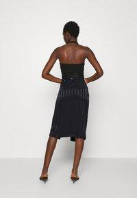 Guess - GALENE - Pencil skirt - jet black - 2