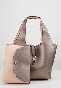 PARFOIS - SET - Handbag - silver - 7