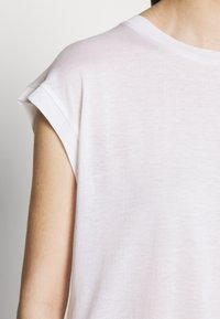 DRYKORN - LAKISHA - Basic T-shirt - weiss - 5